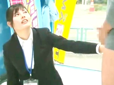 SOD社員の美女がOL姿のままカメラの前でエッチw「イヤイヤ」言っても突かれてカラダは正直w悶絶