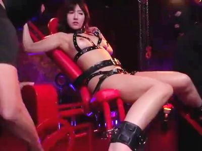 ★@三上悠亜♀★「イキすぎて失神しちゃうよぉ~~っ!」元IDOLが押さえ×性的拷問にヒクヒク絶頂?